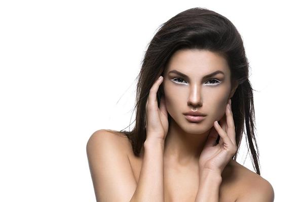 Yeni trend nude eyeliner